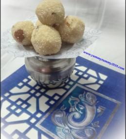 Rava Coconut Ladoo / Semolina Coconut Ladoo Recipe