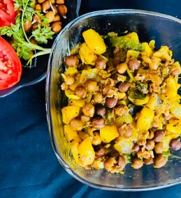 MASALA BLACK CHICKPEAS  WITH POTATOES