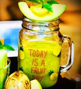 Avocado and Lime Green Tea Smoothie Recipe