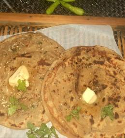 Masala Garlic Cheesy Paratha Recipe