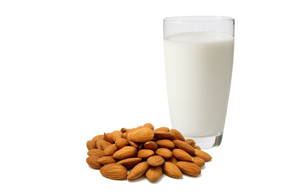 Almond Milk - Complete Information Including Health Benefits, Selection  Guide and Usage Tips - GoToChef